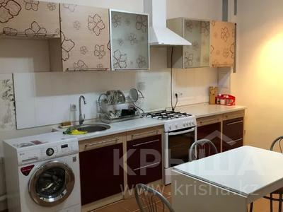 2-комнатная квартира, 80 м², 3/9 этаж помесячно, Шохана Уалиханова 21 за 250 000 〒 в Атырау — фото 2