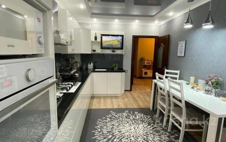 3-комнатная квартира, 119.4 м², 8/9 этаж, Алтынсарина 34 за 44.2 млн 〒 в Костанае