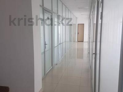 Офис площадью 1000 м², проспект Абулхаир Хана 2А за 3 000 〒 в Уральске — фото 4