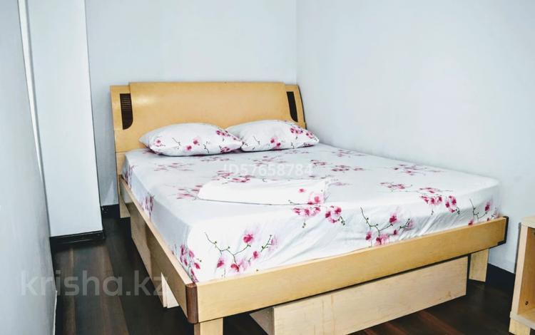 1-комнатная квартира, 45 м², 4/9 этаж посуточно, Сарайшык 34 за 9 000 〒 в Нур-Султане (Астана), Есиль р-н