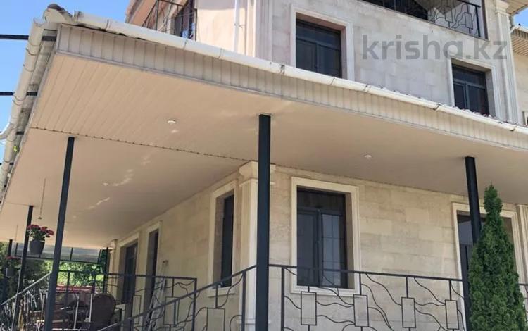 8-комнатный дом, 450 м², 10 сот., мкр Карагайлы, Козыбасы 61 за 170 млн 〒 в Алматы, Наурызбайский р-н
