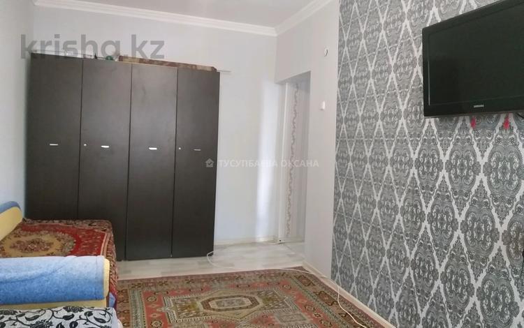 1-комнатная квартира, 30 м², 1/5 этаж, мкр Юго-Восток, улица Муканова за 10 млн 〒 в Караганде, Казыбек би р-н