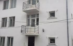 6-комнатный дом помесячно, 320 м², Каспий за 500 000 〒 в Атырау