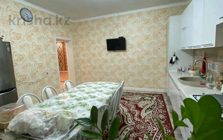 7-комнатный дом, 220 м², 8 сот., мкр Кайтпас 2, Кайтпас-2 — Аппаз Каламбаев за 45 млн 〒 в Шымкенте, Каратауский р-н