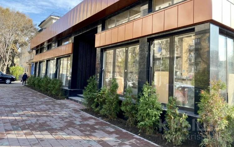 Здание, Айтеке би — Желтоксан площадью 1200 м² за 3.5 млн 〒 в Алматы, Алмалинский р-н