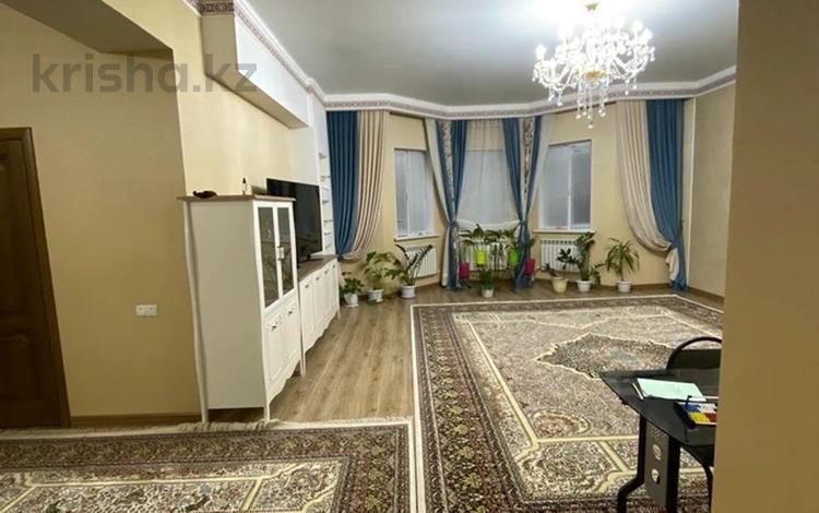 5-комнатный дом, 161.1 м², 10 сот., Мкр.Нуртас 111 за 76 млн 〒 в Шымкенте