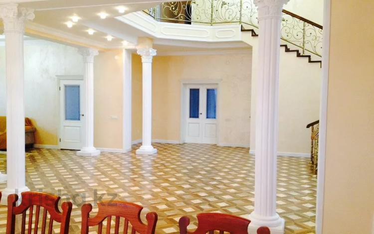 8-комнатный дом, 500 м², 8 сот., Пазылов за 125 млн 〒 в