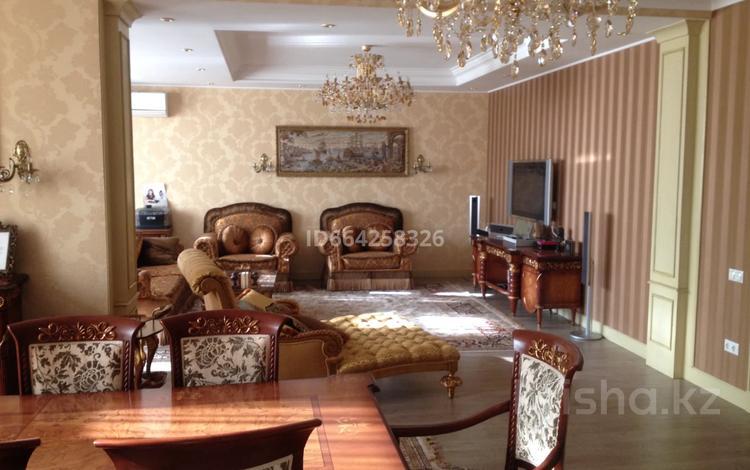 10-комнатный дом, 1000 м², 21 сот., Жетысу — Курылысшы за 135 млн 〒 в Капчагае