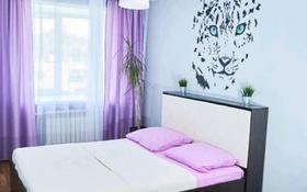 2-комнатная квартира, 58 м², 2/5 этаж посуточно, Евразийская улица 108 за 10 000 〒 в Уральске