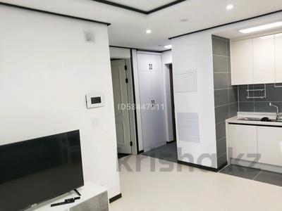 2-комнатная квартира, 55 м², 17 этаж посуточно, Кабанбай батыра 47 за 15 000 〒 в Нур-Султане (Астана), Есиль р-н — фото 2