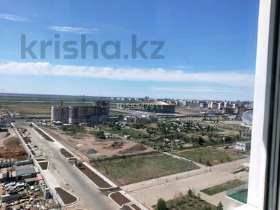2-комнатная квартира, 55 м², 17 этаж посуточно, Кабанбай батыра 47 за 15 000 〒 в Нур-Султане (Астана), Есиль р-н — фото 8