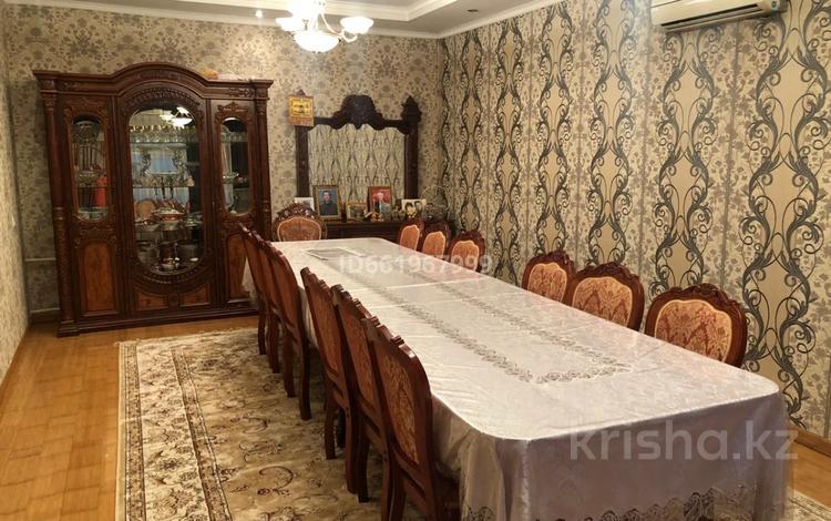 8-комнатный дом, 300 м², 5 сот., мкр Малый Самал, Мкр Малый Самал 16 — Шаймерденова за 60 млн 〒 в Шымкенте, Аль-Фарабийский р-н