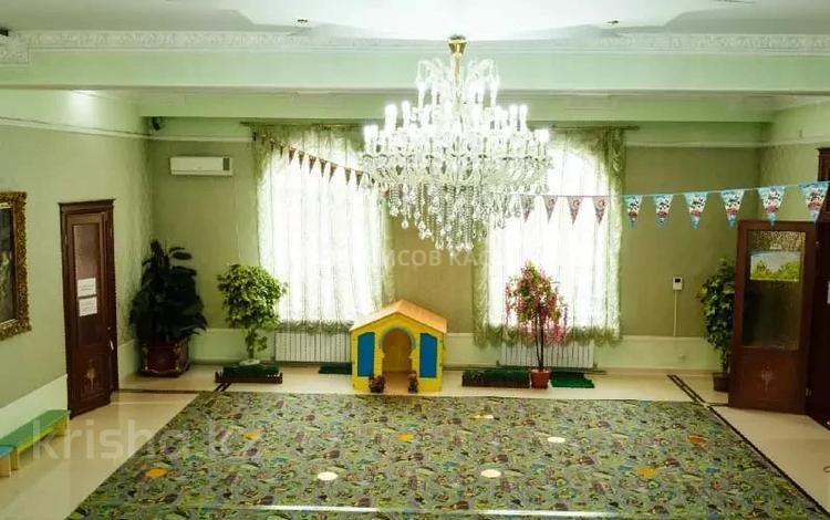 Здание, площадью 720 м², мкр Мамыр-4, Мкр Мамыр-4 83В за ~ 398.1 млн 〒 в Алматы, Ауэзовский р-н