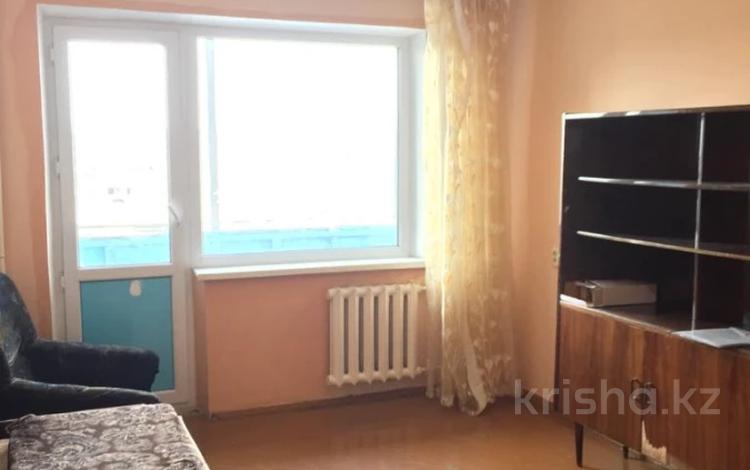 2-комнатная квартира, 52 м², 8/9 этаж, Карбышева 2 за 10.3 млн 〒 в Караганде, Казыбек би р-н