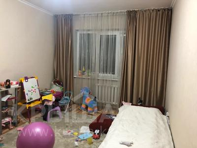 2-комнатная квартира, 54 м², 6/9 этаж, мкр Аксай-2, Мкр Аксай-2 75 — Маргулана за 22.8 млн 〒 в Алматы, Ауэзовский р-н
