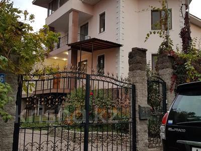 9-комнатный дом, 520 м², 10 сот., мкр Мамыр — Шаляпина за 185.2 млн 〒 в Алматы, Ауэзовский р-н