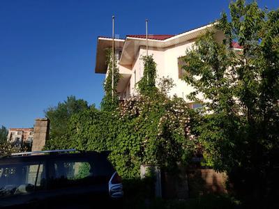 9-комнатный дом, 520 м², 10 сот., мкр Мамыр — Шаляпина за 185.2 млн 〒 в Алматы, Ауэзовский р-н — фото 5