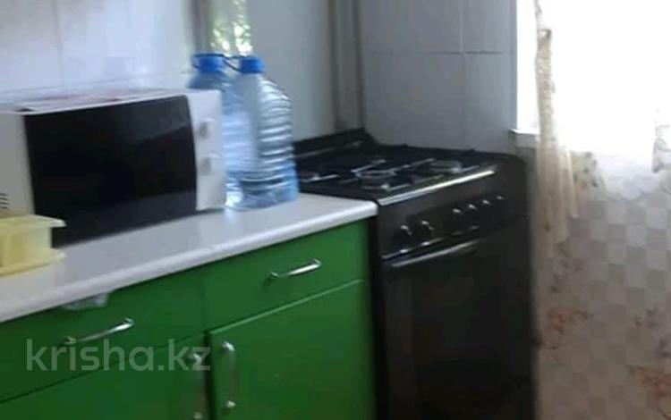 3-комнатная квартира, 63 м², 1/5 этаж, Урдинская — Ост. Детсад за 14.5 млн 〒 в Уральске
