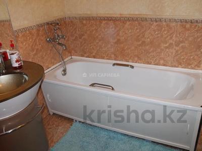 2-комнатная квартира, 80 м², 3/6 этаж посуточно, мкр Самал 301 — Хаджи Мукана за 17 000 〒 в Алматы, Медеуский р-н