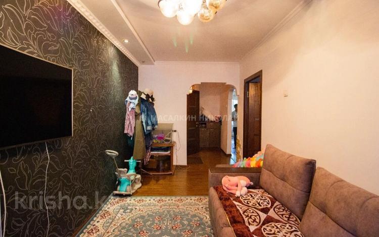 3-комнатная квартира, 63 м², 1/5 этаж, Самал 40 за 15.7 млн 〒 в Талдыкоргане