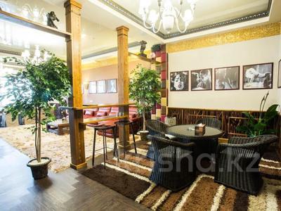 Здание, площадью 1900 м², Диваева 37 за 1.1 млрд 〒 в Алматы, Медеуский р-н — фото 31