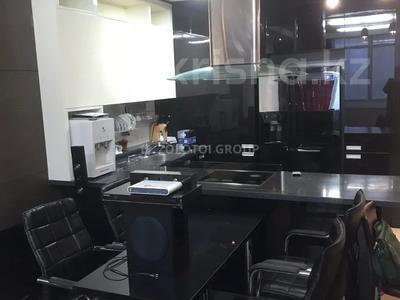 3-комнатная квартира, 100 м² помесячно, Байтурсынова 5 за 270 000 〒 в Нур-Султане (Астана) — фото 8