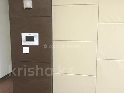 3-комнатная квартира, 100 м² помесячно, Байтурсынова 5 за 270 000 〒 в Нур-Султане (Астана) — фото 9