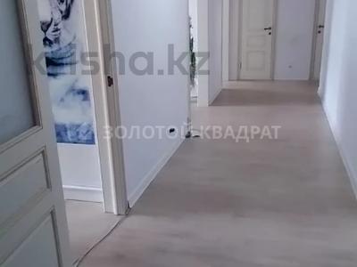 3-комнатная квартира, 90 м², 7/16 этаж, Шахтеров 60 за 32.5 млн 〒 в Караганде, Казыбек би р-н