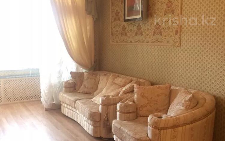 3-комнатная квартира, 130 м², 1/5 этаж помесячно, мкр Тау Самал, Омаровой 37 за 375 000 〒 в Алматы, Медеуский р-н