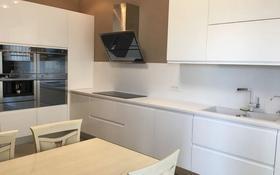 4-комнатная квартира, 165 м², 3/3 этаж, Дулати 96 за 172 млн 〒 в Алматы, Бостандыкский р-н