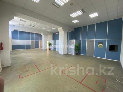 Помещение площадью 210 м², проспект Строителей 4 за 3 000 〒 в Караганде, Казыбек би р-н — фото 3