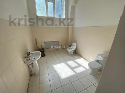 Помещение площадью 210 м², проспект Строителей 4 за 3 000 〒 в Караганде, Казыбек би р-н — фото 6