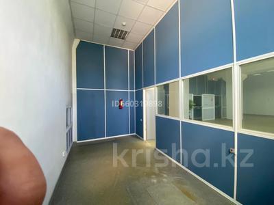 Помещение площадью 210 м², проспект Строителей 4 за 3 000 〒 в Караганде, Казыбек би р-н — фото 7
