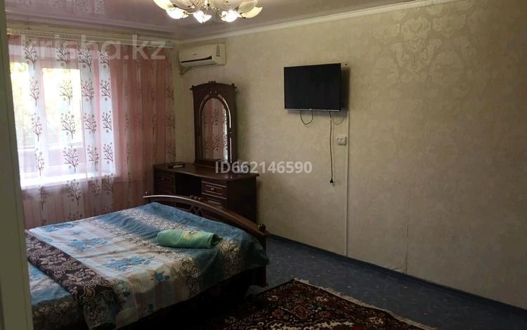 1-комнатная квартира, 33 м², 3/5 этаж посуточно, улица Газизы Жубановой — Газизы жубановой и абулхаир хана за 6 000 〒 в Актобе
