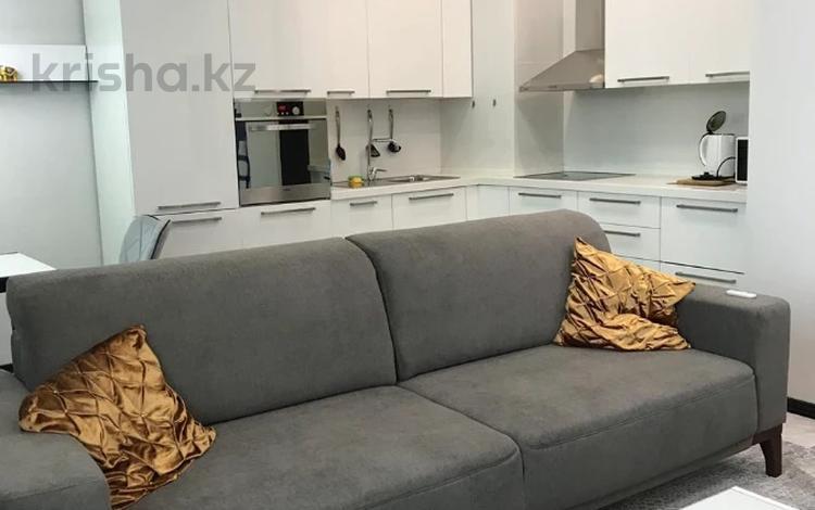 2-комнатная квартира, 72 м², 10 этаж помесячно, Сыганак 18/3 за 200 000 〒 в Нур-Султане (Астана), Есиль р-н