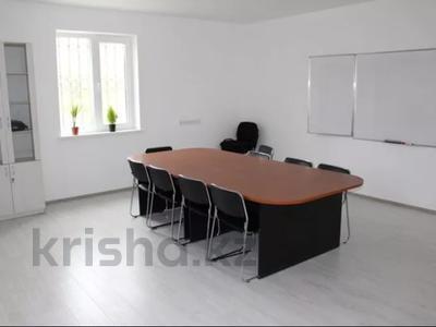 Здание, площадью 727.4 м², мкр Водников-2, Лесхоз 26А за 127 млн 〒 в Атырау, мкр Водников-2 — фото 3