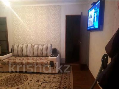 3-комнатная квартира, 42 м², 2/2 этаж, проспект Ауэзова 61 за 5 млн 〒 в Семее