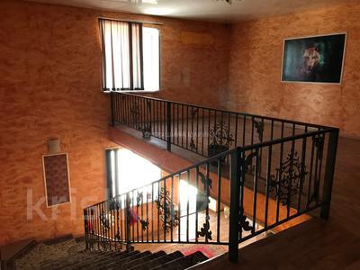 Здание, площадью 1200 м², 19 мкрн за 150 млн 〒 в Капчагае — фото 11