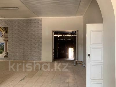 Здание, Акпан Батыра 111 — Жибек Жолы площадью 377 м² за 200 000 〒 в Шымкенте — фото 3