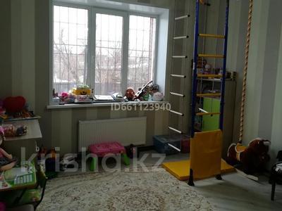 5-комнатный дом, 370 м², 5 сот., Карачаганакская 1/1 — Кызылжарская за 90 млн 〒 в Уральске — фото 22