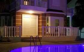 4-комнатный дом, 400 м², 20 сот., проспект Абая 23 — Розабакиева за 80.4 млн 〒 в Алматы