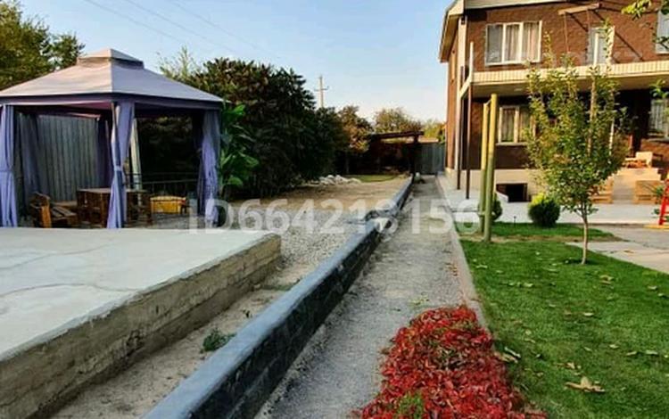 4-комнатный дом, 200 м², 10 сот., Первомайские пруды за 30 млн 〒 в Алматы