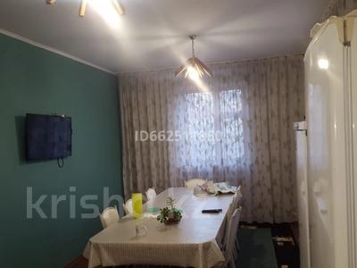 4-комнатный дом помесячно, 180 м², 5 сот., мкр Шугыла, Мкр Шугыла за 250 000 〒 в Алматы, Наурызбайский р-н — фото 10