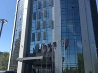 Здание, площадью 7359 м²