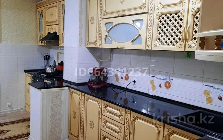 3-комнатная квартира, 70 м², 3/5 этаж, 13-й мкр 24 за 18 млн 〒 в Актау, 13-й мкр