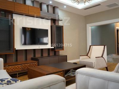 3-комнатная квартира, 129 м², 10/12 этаж помесячно, Ходжанова 92 — Аль-Фараби за 630 000 〒 в Алматы, Медеуский р-н