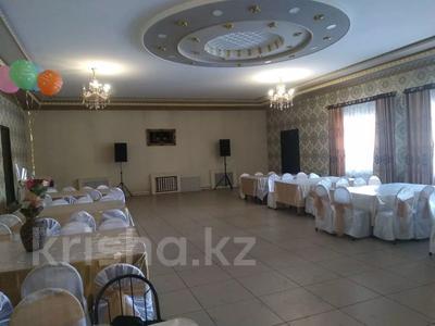 Здание, площадью 1555 м², Бухар-Жырау 100 за 40 млн 〒 в Ботакаре — фото 2