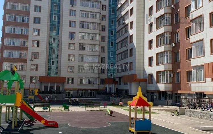 4-комнатная квартира, 167 м², 4/9 этаж, Мәңгілік Ел 22 за 58 млн 〒 в Нур-Султане (Астана)