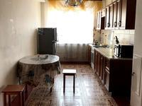 3-комнатная квартира, 140 м², 3/10 этаж помесячно, Тургенева 100 В — Абылхаир хана за 140 000 〒 в Актобе, мкр 5