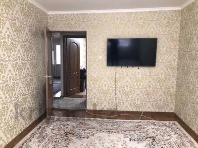2-комнатная квартира, 52 м², 2/5 этаж помесячно, 8 мкр 16 за 110 000 〒 в Шымкенте, Абайский р-н